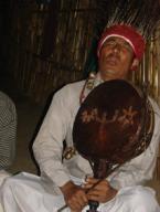 Das Ritual der Schamanen an den spirituellen Kraftplätzen des Himalaya.